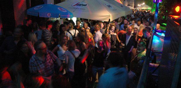 Schwabach-Boulevard/40.Bürgerfest: Eis, AC/DC und Party pur in der Bachgasse