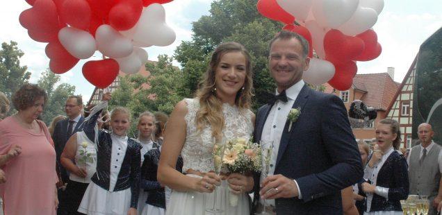 Schwabach-Boulevard:Scharfs Public Viewing&Aus Prinzenpaar wurde Hochzeitspaar