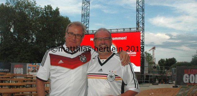 Schwabach-Boulevard:Scharfs Viewing - über 2000 enttäuschte Fans nach DFB-Pleite
