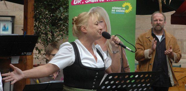 Schwabach-Boulevard: Sabine Weigand - Lesend in den Landtag?