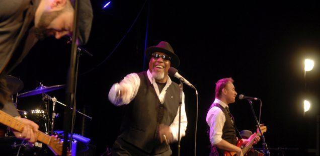Franken-Szene/28.Bluestage Roth: Muddy What? mit göttlichem Beistand in der Galaxy Bar - Standing Ovation: Big Daddys Soul-Mix - Heute Mike Zito und Co.../Doc Knotz am Sonntag...
