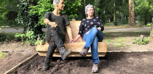 Franken-Szene: Gerd Huke, ein Blues-Denkmal am Westfriedhof verewigt/Kahnfahrt Hembach lebt wieder/Muddy What? geben Online-Konzert aus Augsburg und warten auf Blues-Voting-Ergebnisse...