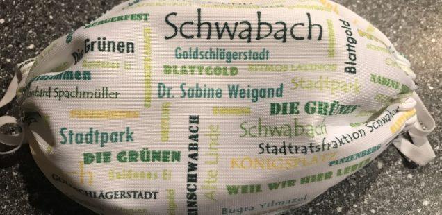 """Schwabach-Boulevard: Der besondere Laden - Edith Brendel und ihr """"Lokenfrosch""""....Mundschutz Masken retten Arbeitsplätze..."""
