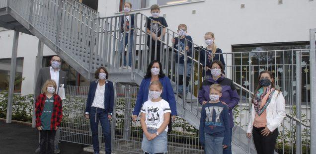 """Schwabach-Boulevard: 500 Schutzmasken für Zwieseltalschule/Corona und fast kein Ende, oder?/Sperrstunde gekippt/ Schwabach-Rundfunk-Spots/""""Ritmos in the Air""""/Muddy What?Fenster-Konzert"""