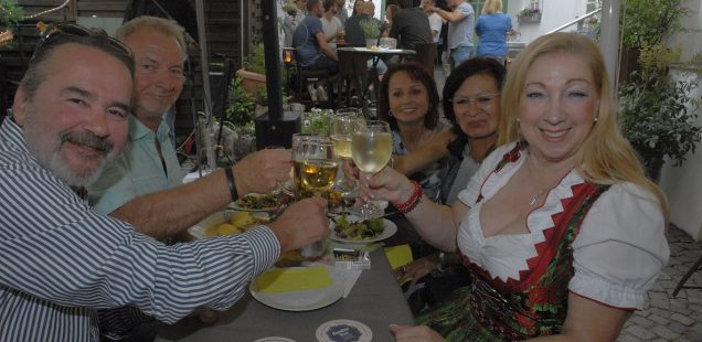"""Schwabach-Boulevard: Fast ein bisschen Bürgerfest/TME-Premiere """"Voll der Fontane""""/Erfolgreiche Heinl-Ausstellung/Springers Auto Verlag hat Schwabach verlassen...."""