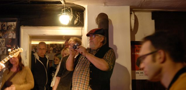 "Franken-Szene: Ehemaliger Club-Nationalspieler ist tot/Neues Festival 2021 in Nürnberg- ""Punk in Drublic""/Kreuzwirtskeller-Programmchef erlag Krebsleiden/Doc Knotz rockt Hembacher Brunnenplatz,ausverkauft"